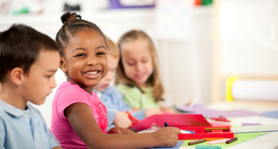 Gelukskoffer is een sociaal emotionele methode voor groep 1 t/m 8. Kinderen werken aan hun persoonlijke ontwikkeling en ontdekken hun eigen invloed op geluk.